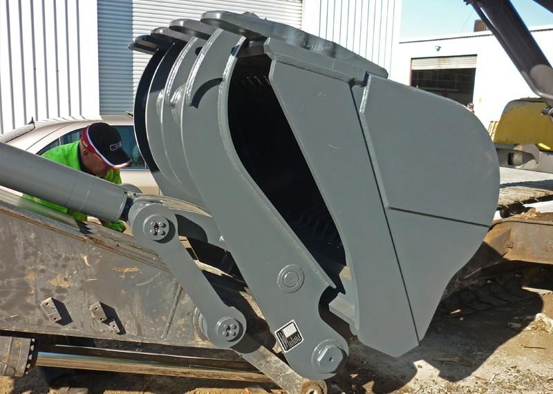 Demolition & Material Handling